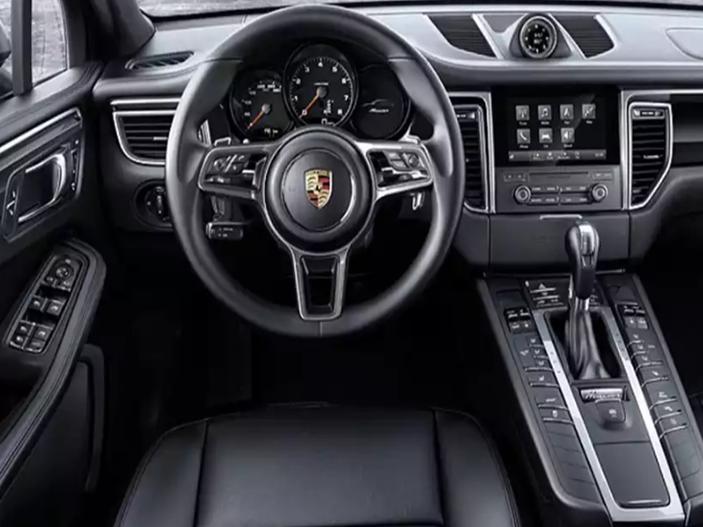 Location_Luxembourg_Porsche-Macan