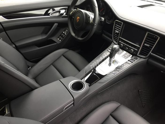 Porsche Panamera Luxembourg Location